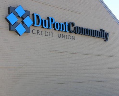 DCCU Outdoor Sign, Harrisonburg